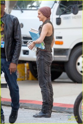 """*EXCLUSIVE* Shailene Woodley starts her week off on the set of """"Insurgent"""""""