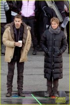shailene-woodley-theo-james-are-back-to-work-on-insurgent-06