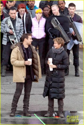 shailene-woodley-theo-james-are-back-to-work-on-insurgent-17