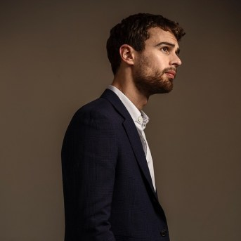 Photo-by-Ricardo-DeAratanha-Actor-Theo-James.-James-stars-opposite-Shailene-Woodley-in-the-new-movie