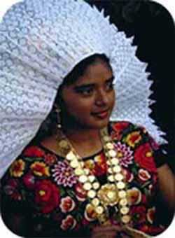 Γυναίκα Zapoteca με παραδοσιακή φορεσιά