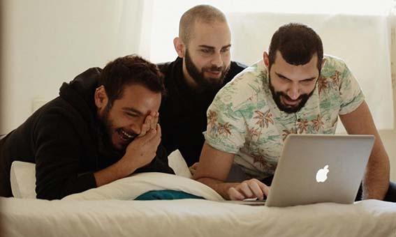ταινία για συγκρουση ταυτοτήτων γκέι παλαιστίνιων