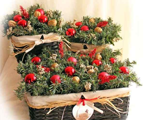 Quick and Easy Holiday Centerpiece. Make 3 for $30, with supplies from Walmart- #cbias