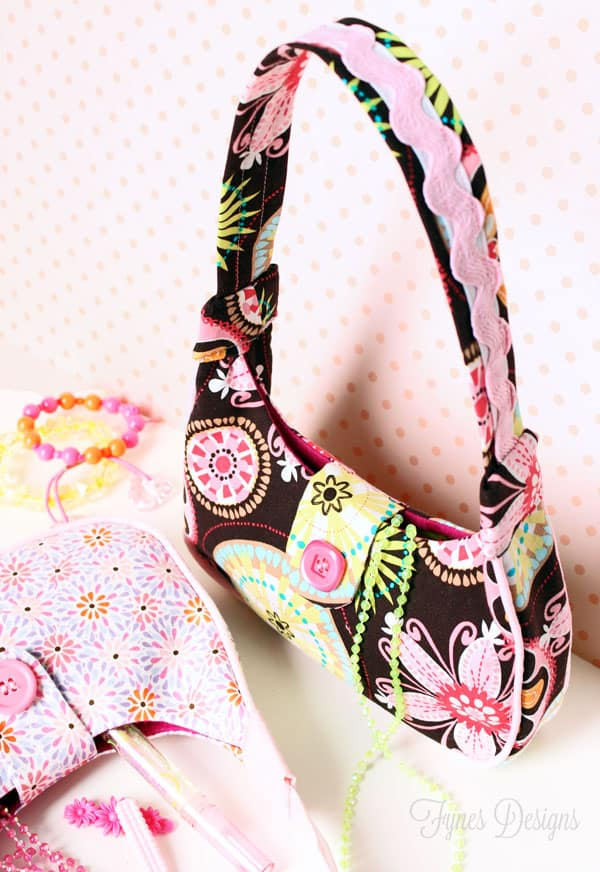 Create this sweet purse with a free pattern from Fynes Designs