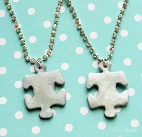 Easy clay best friend puzzle piece necklaces #mayartsribbon #sculpty #autisumawareness