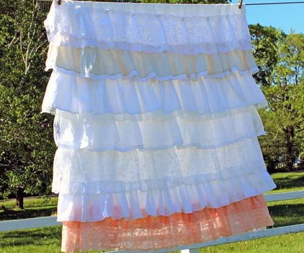 DIY ruffle lace table cloth perfect for a rustic or vintage wedding