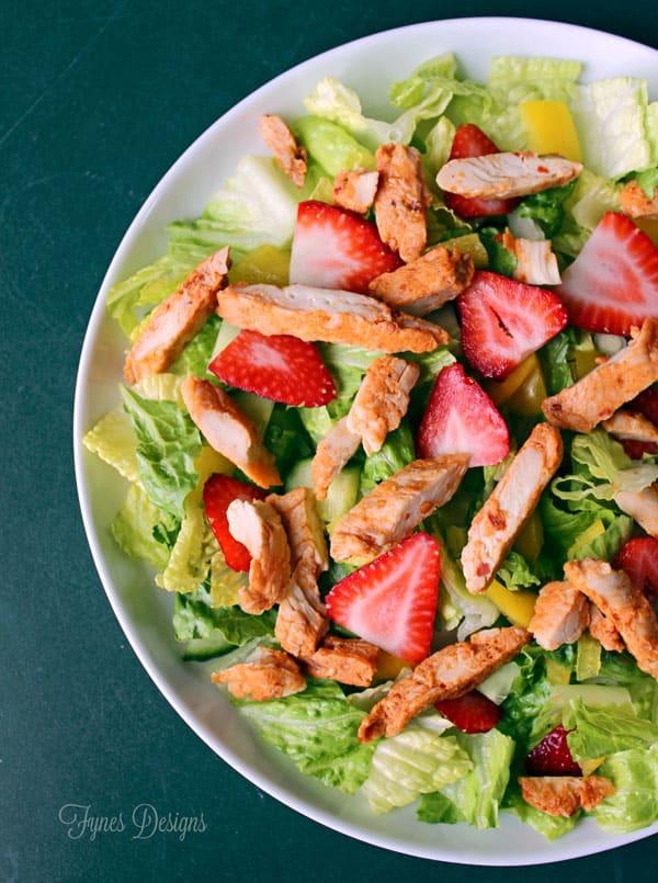 2 point Weight Watchers Chicken Strawberry salad #PROTINIS