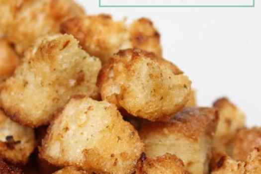 Delicious and EASY to make homemade crouton recipe. You have to try!