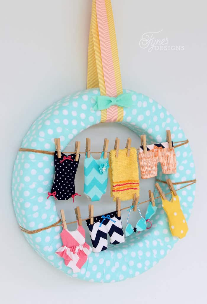 Sew these tiny swimsuits to make your own fun summer clothesline wreath