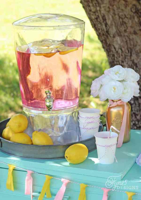 Low-cost Ideas for Making A Pink Lemonade Stand