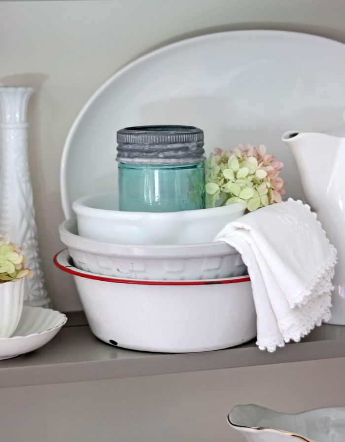 Vintage bowls and mason jar