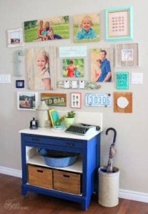 Great mixture of natural, vintage, and nautical items in this gallery wall