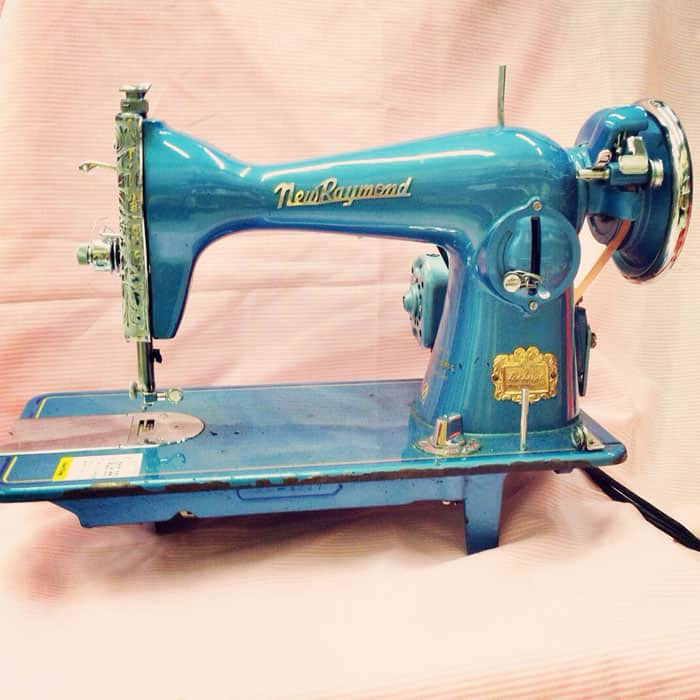 vintage-sewing-machine
