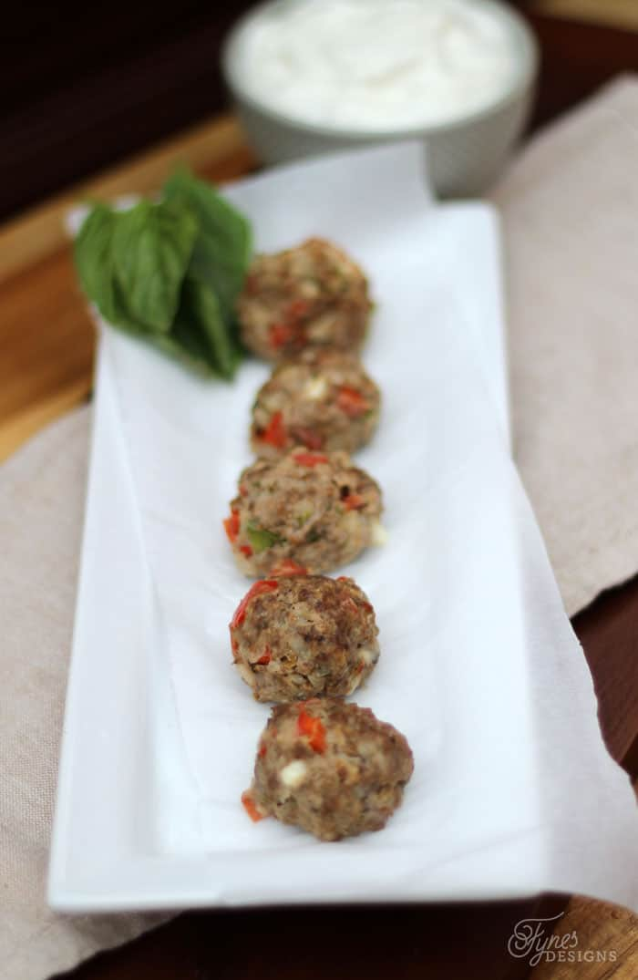 Easy Greek Meatball recipie, your guests will love them, but shhh don't tell them they are healthy!