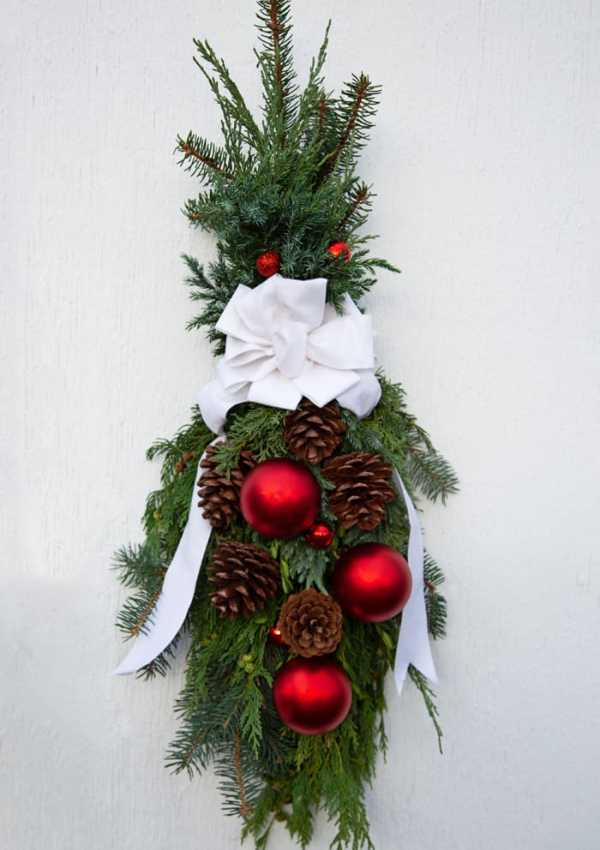 How to Make a Christmas Swag Wreath