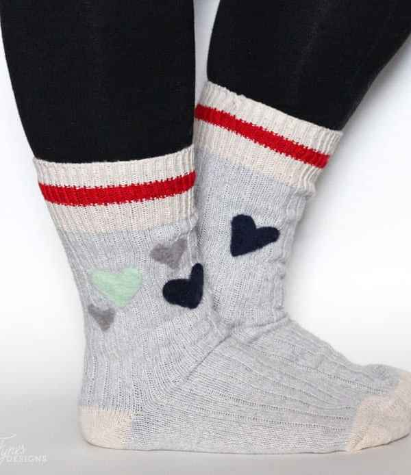 Needle Felted Wool Socks #CDNHandmadeHoliday