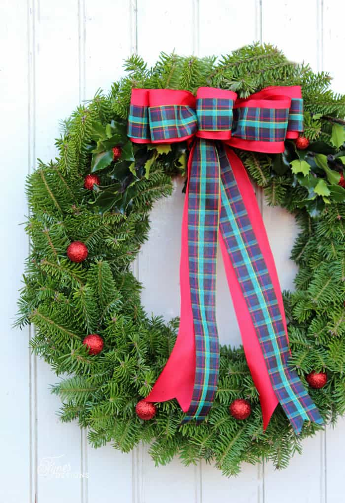 Learn to make a traditional Christmas wreath with this easy to follow tutorial