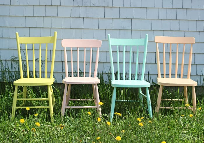 Summer painted patio furniture  in a refreshing color combination from Voice of Color