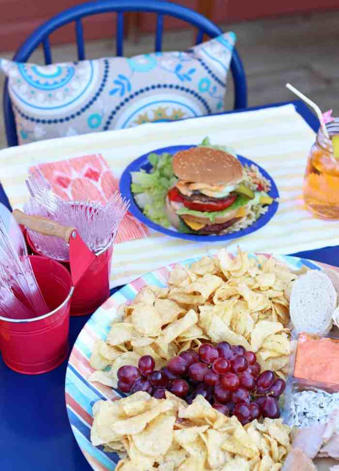 Tips for hosting a last minute BBQ when friends pop in