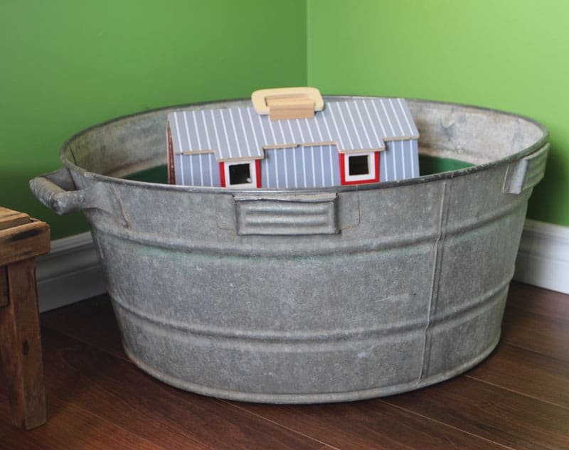 Metal wash basin for a toy box