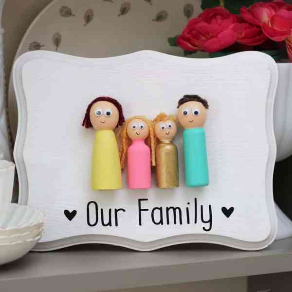 This craft is perfect for kids age 6+ just paint the peg dolls and glue them to a frame for a family portrait made by your little ones