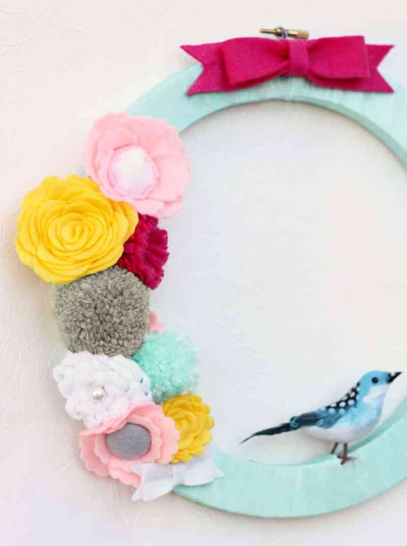 Pom pom and felt flower wreath