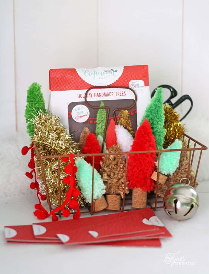 DIY Bottle Brush trees kit. Make your own holiday trees from yarn, jute and garland with this easy kit and video