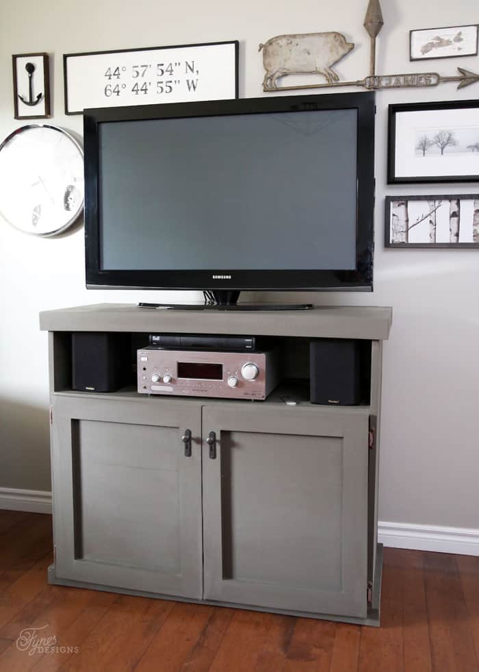 DIY TV Console #elmers