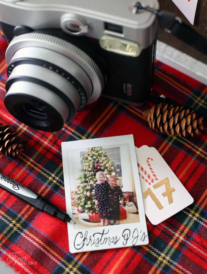 Instant Christmas photos with the Instax Mini 90