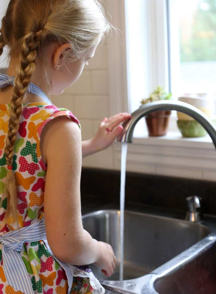 Delta touch 2O faucet make craft time cleanup quick and easy