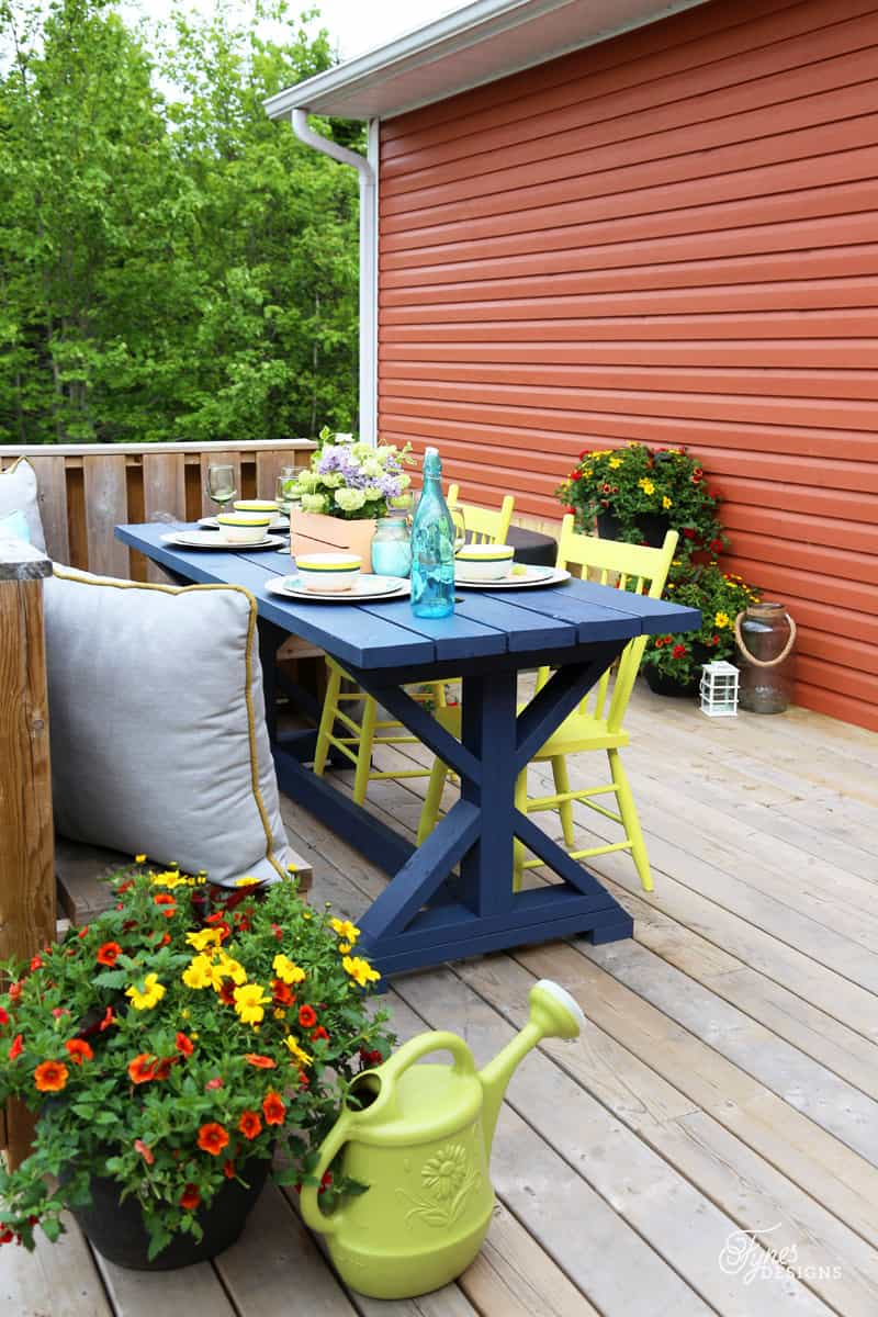 Mini Patio Makeover. DIY table made from Shanty To Chic plans