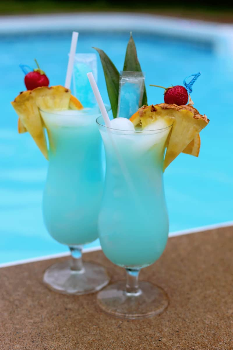 Swimming pool summer mocktail fynes designs fynes designs for Summer drinks for party