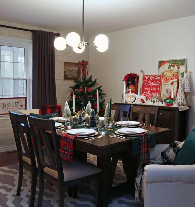 Christmas dining room table setting