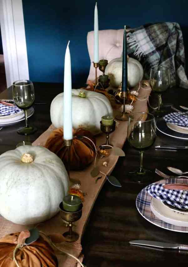 Fall centrepiece with wood an copper elements