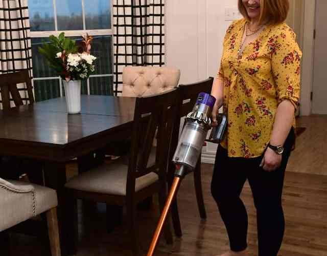 Cleaning with the Dyson Cyclone V10