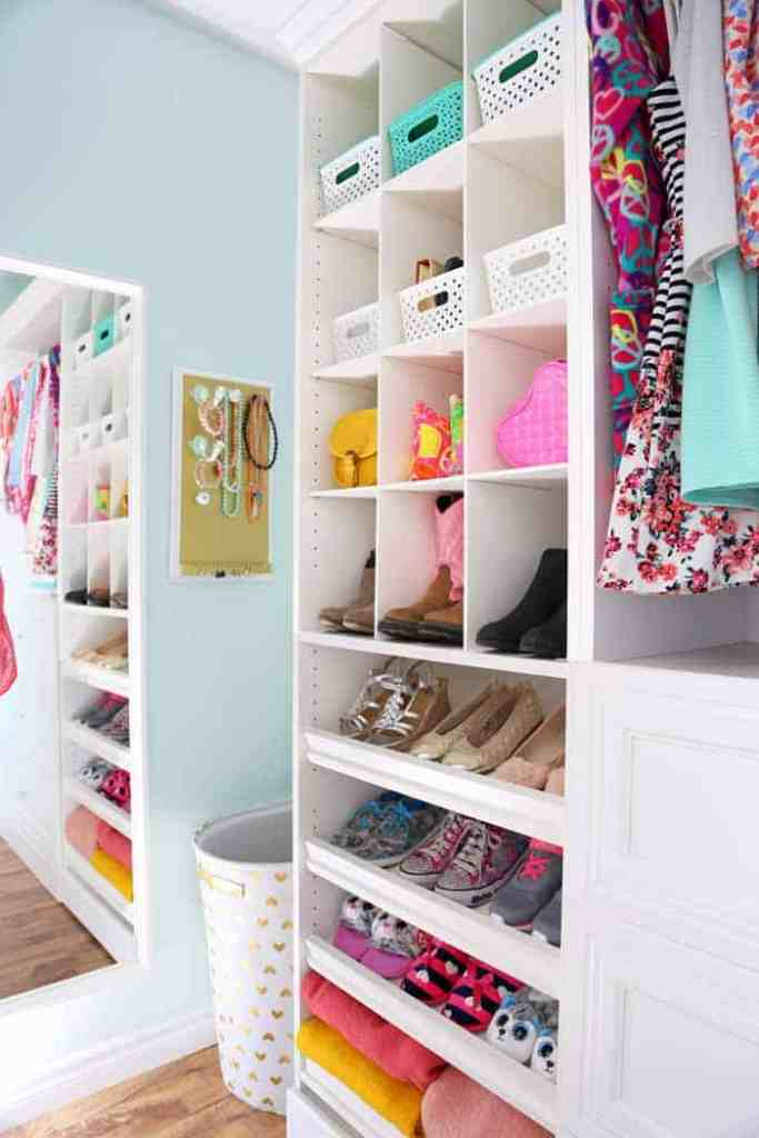 awesome girls walk in closet ideas