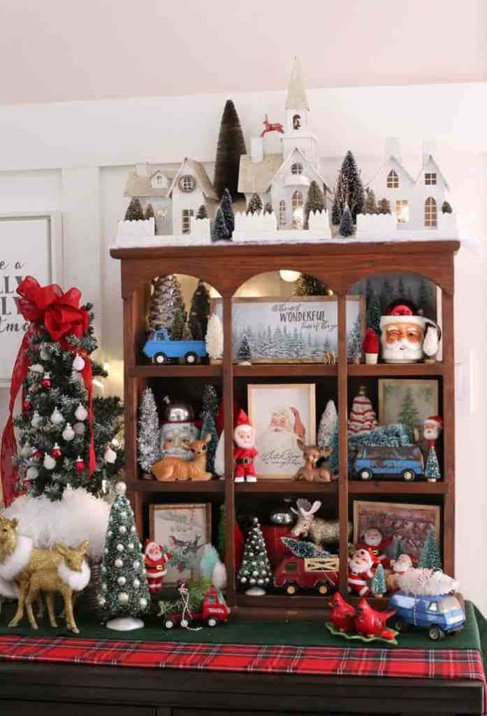 Christmas Home Decor Tour featured by top US design blog, Fynes Designs: vintage Christmas decorations | Holiday Home Decor Tour 2019 by popular Nova Scotia life and style blog, FYNE Designs: image of vintage Christmas decorations.
