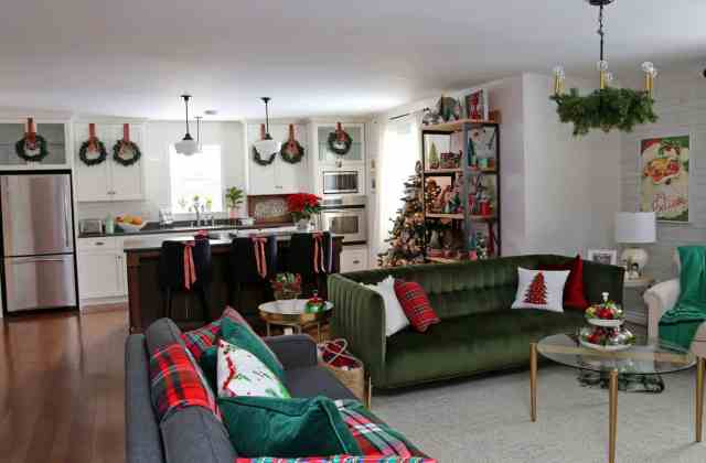 Christmas Home Decor Tour featured by top US design blog, Fynes Designs: Open concept Christmas living room