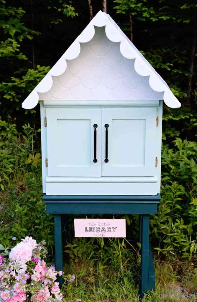 DIY Free Little Library Club in Nova Scotia | Little Free Library Plans by popular US DIY blog, Fynes Designs: image of a free little library.