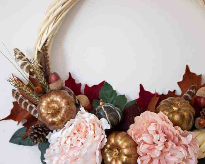 How to make a pretty fall wreath for the door