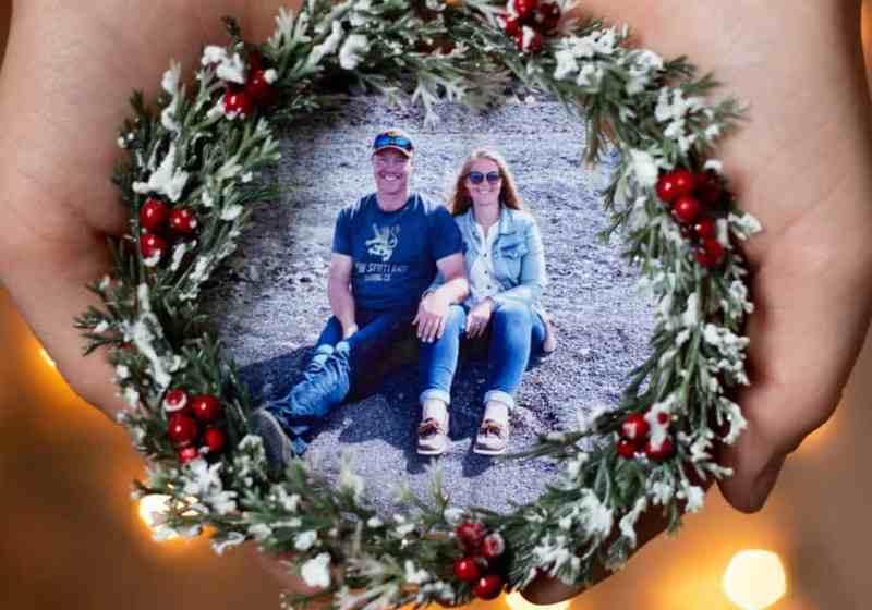 Easy to make keepsake photo ornaments from IKEA coasters