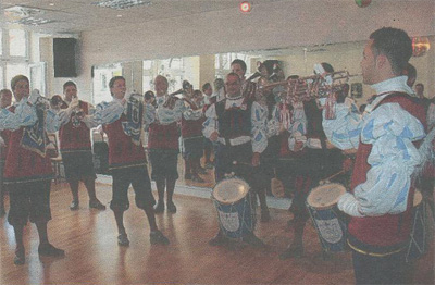 Stadtkurier, 30.09.2009 Auftritt bei der Neueröffnung der Tanzschule Desweemer am Marienplatz