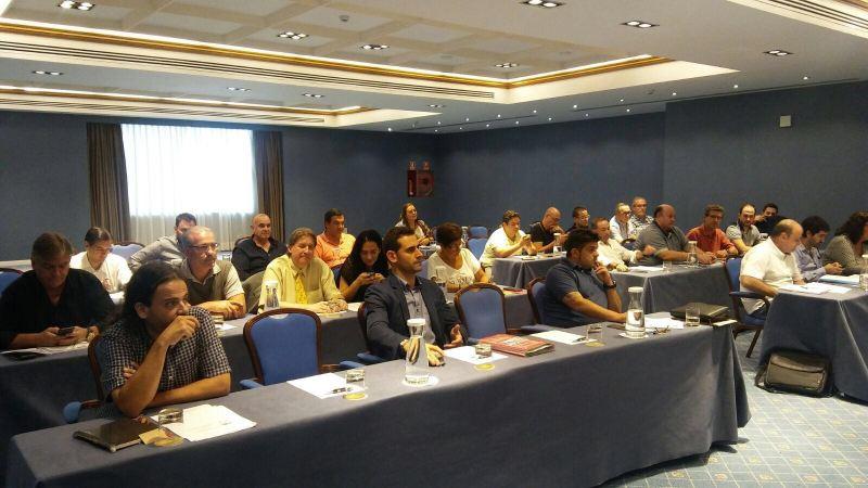 Representantes de las distintas Federaciones de Peñas (Aficiones Unidas) en su reunión del lunes