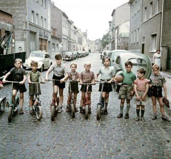 Die Roller-Kinder -Bonn 1955