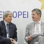 """Marile neînțelegeri care au blocat negocierile dintre USR și PLUS: Ambele partide au venit cu """"oferte de neacceptat"""" - USR a pus pe masă opțiunea fuziunii, PLUS a cerut paritate pe listele de la parlamentarele din 2020"""