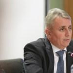 Ministrul Transporturilor spune că e posibilă oprirea transportului între județe și în interiorului acestora, dar și cel cu taxiul, dacă acest lucru se va decide la nivel european