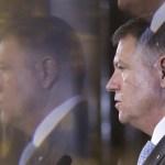Fake news rostogolit de PSD cu presupusa cască din urechea lui Iohannis, demontat de președinte și fotoreporterul Octav Ganea