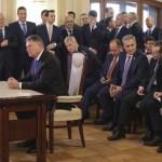BREAKING: CCR a admis sesizarea depusă de președinții Parlamentului în cazul desemnării lui Ludovic Orban: Președintele Iohannis va fi obligat să nominalizeze un premier care poate strânge o majoritate guvernamentală / CCR nu a interzis nominalizarea din nou a lui Ludovic Orban și nici nominalizarea unui premier demis prin moțiune de cenzură