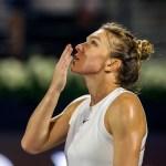 """VIDEO Simona Halep a câștigat finala turneului de la Dubai, după un meci dramatic / """"Acum sunt aproape moartă"""""""