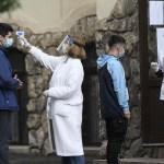 BREAKING Încă un record de infecții: 614 în ultima zi. E prima oară când România depășește bariera de 600 de infecții pe zi. Avem și record de cazuri active - 7986